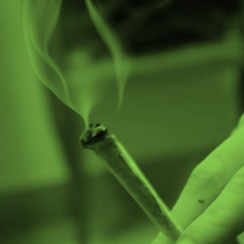 THE DIFFERENCE BETWEEN CANNABIS SMOKE AND VAPOR